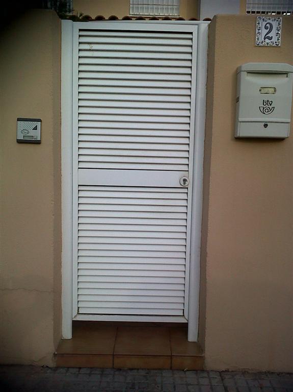 Puertas mallorquinas precio materiales para la for Precio de puertas para casa