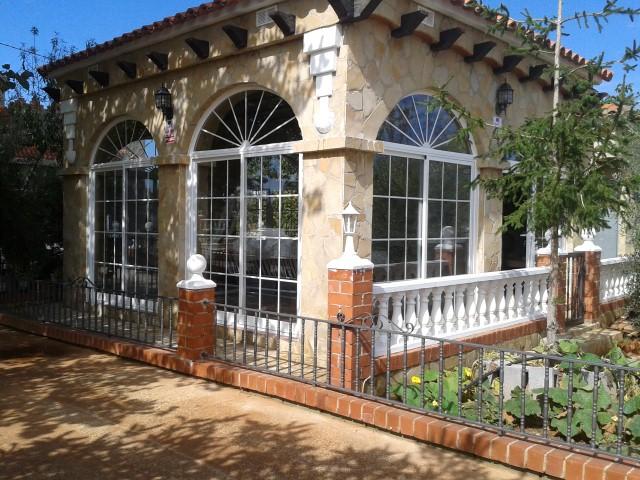 Cerrajer a gil carpinter a de hierro y aluminio vall d - Arcos decorativos para puertas ...